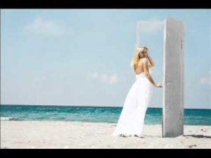 233 300x225 - האם נדרים לחתונה של החתן והכלה הם ברכת כלה וברכת חתן?